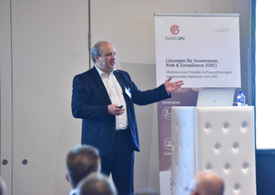 Bruno Freschi, Corporate Information Security Officer, Helvetia Versicherungen, wendet Information Security mit System und der SWISS GRC Toolbox an.
